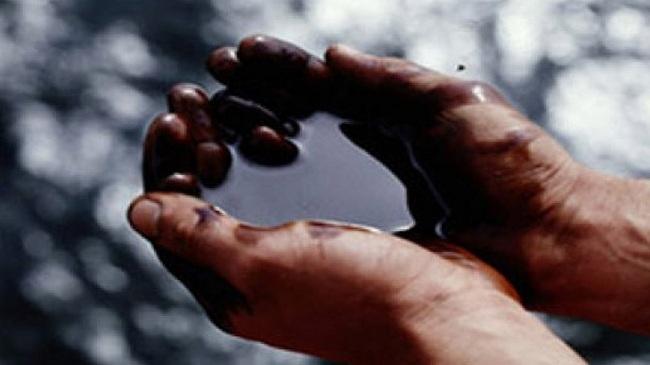 Нефть продолжает дешеветь. Причина та же — снижение спроса на «черное золото»