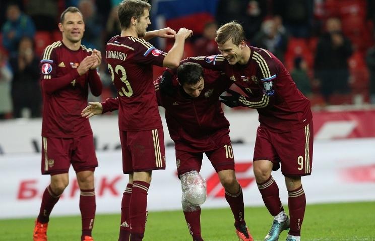 Сборная России по футболу попадет во вторую корзину при жеребьевке Евро-2016