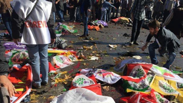 Взрывы в Анкаре «вешают» на «Исламское государство»