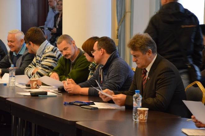 Севастопольцы о Чалом и его депутатах: «Совсем зажрались, пора менять» (видео)