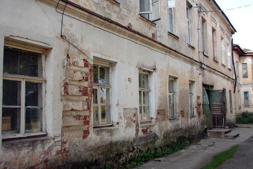 В Севастополе может разрушиться жилой дом. Новое жилье для людей подберут в кратчайшие сроки