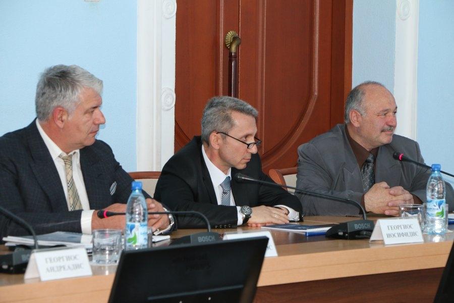 Меняйло обсудил с предпринимателями из Греции важные вопросы
