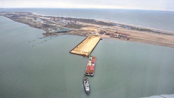Российский суд арестовал турецкое судно, протаранившее опору керченского моста
