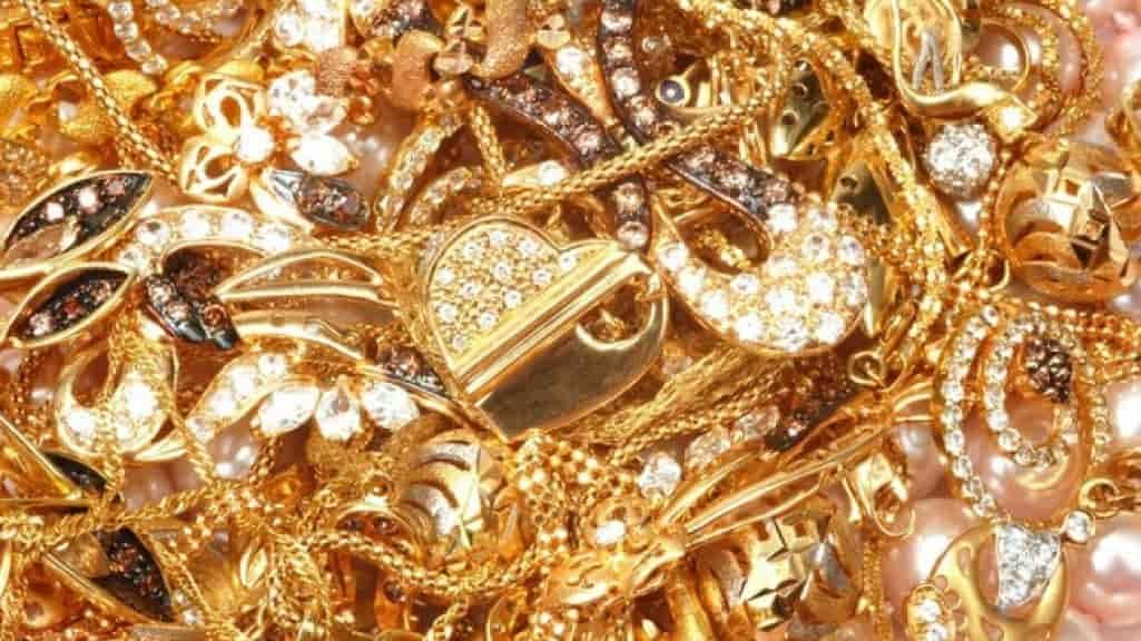 В Крым пытались незаконно провезти килограмм золота