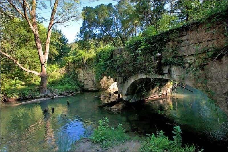 В севастопольской реке обнаружили труп женщины