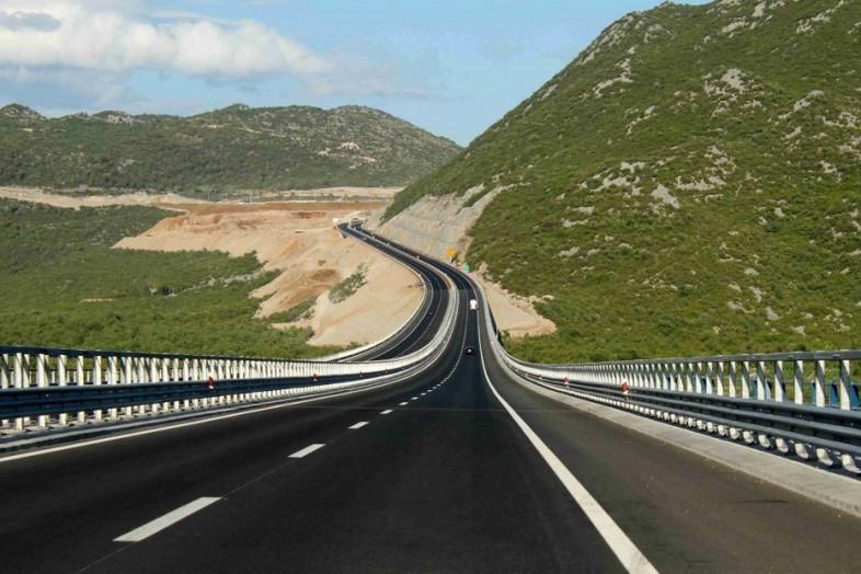 В Крыму приглашают на работу специалистов для строительства трассы «Таврида»