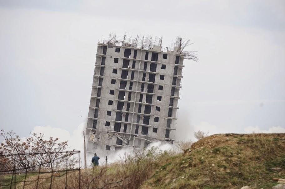 Взрывать нельзя строить: кто ответит за последствия от подрыва 16-этажки в Севастополе