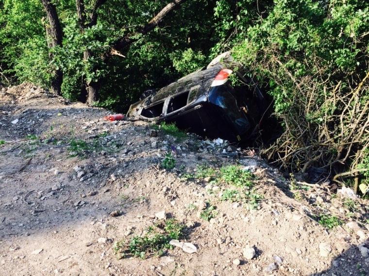 ДТП под Севастополем: авто занесло в кювет