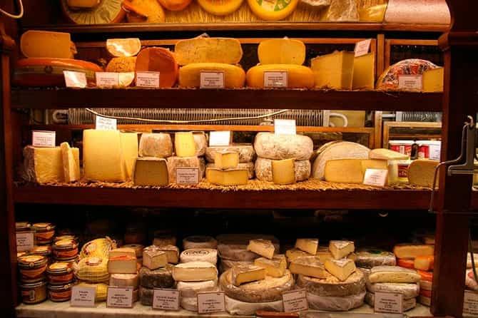 Россия ограничила поставку «молочки» из Белоруссии