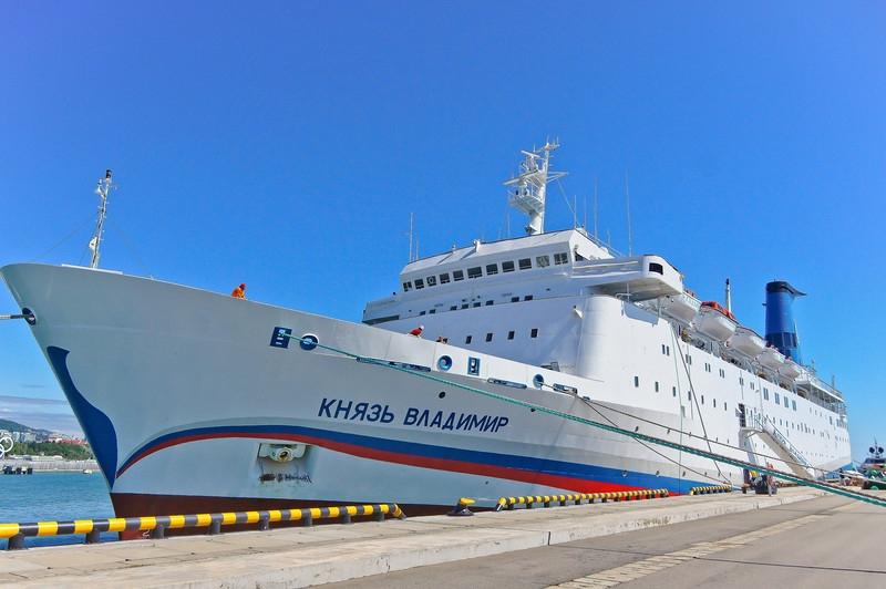 Желающих попасть из Сочи в Крым на лайнере оказалось в два раза меньше, чем предполагалось