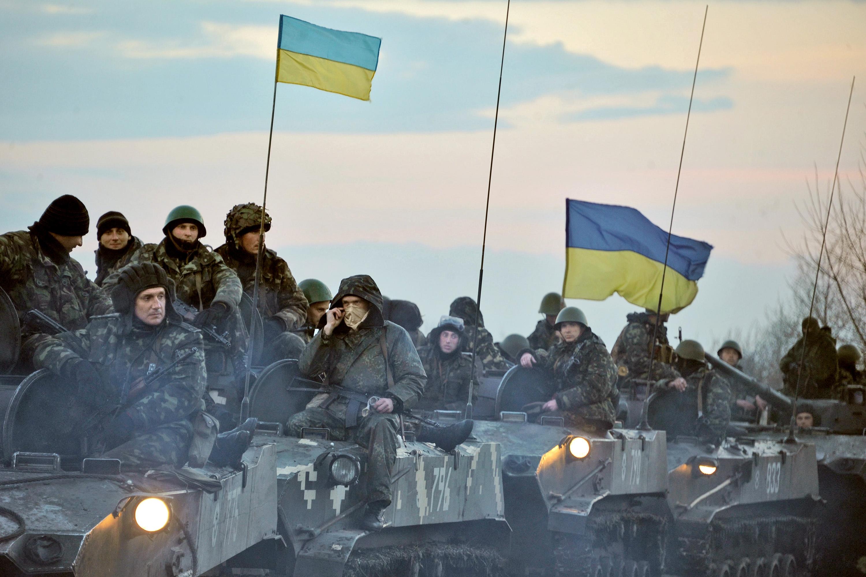 Порошенко отказался прекращать АТО в Донбассе