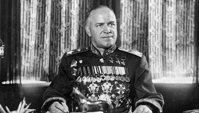 В Одессе сняли мемориальную доску маршалу СССР