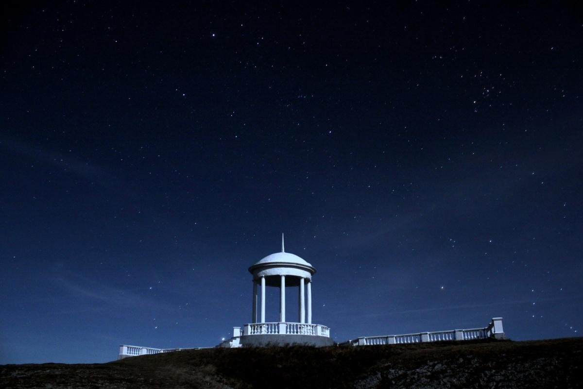 «Беседка ветров», «пляж для двоих» и сказка наяву: топ-7 романтических мест Крыма