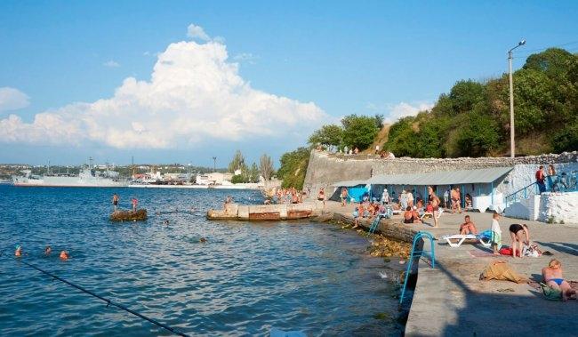В Севастополе на пляже обнаружен труп мужчины