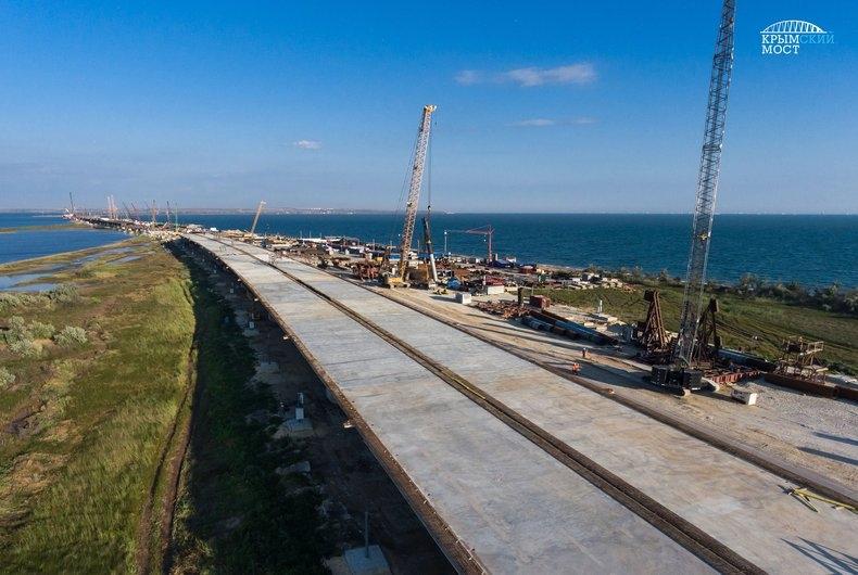 Министр транспорта рассказал, когда откроется движение по мосту в Крым
