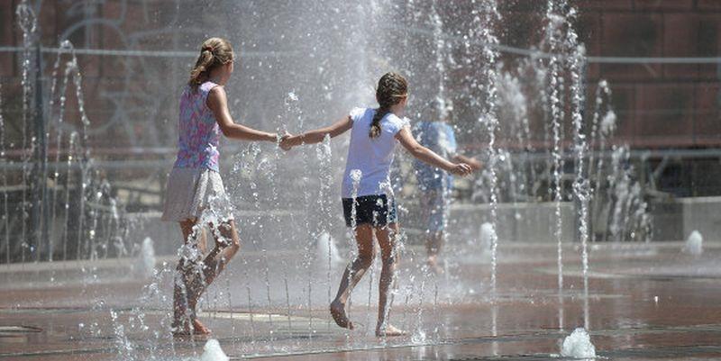 Экстремальная жара продержится в Крыму до конца недели