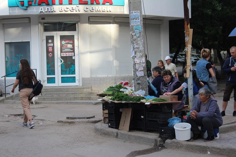 Большой севастопольский базар: город превращается в стихийный рынок