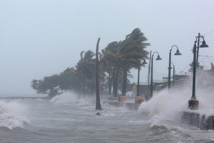 Мощнейший ураган «Ирма» грозит Америке апокалипсисом — фото, видео