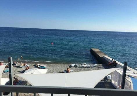На крымском пляже найден труп молодого парня