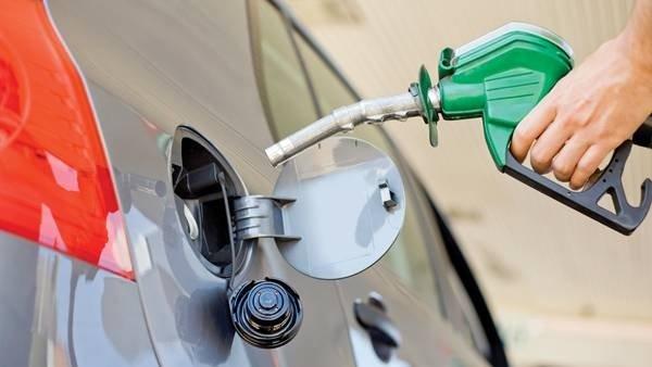 В Крыму готовятся к перебоям в поставке моторного топлива