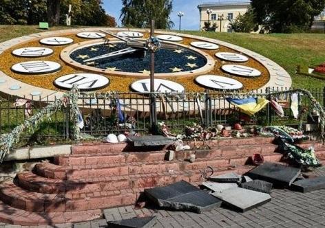 Житель Севастополя, разрушивший памятник «небесной сотне» в Киеве, пообещал разгромить Майдан