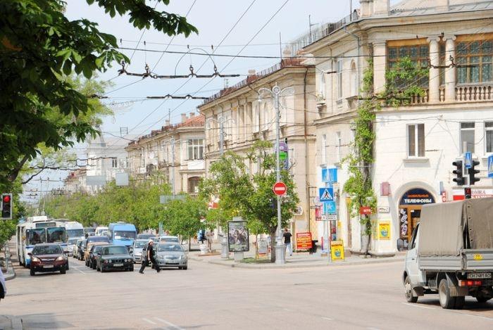 В Севастополе до конца недели отремонтируют дорогу на ул. Большая Морская