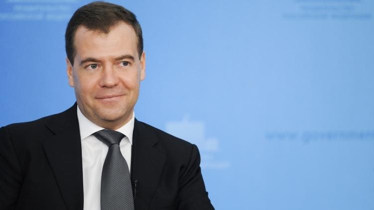 Дмитрий Медведев рассказал, когда начнется движение между Крымским мостом и трассой «Таврида»