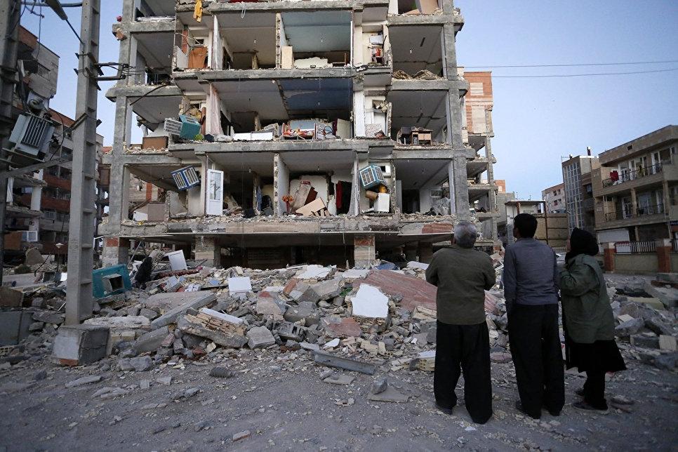 Более 6 тысяч пострадавших и 372 погибших: в Сети появились кадры с места крупного землетрясения в Иране — фото, видео