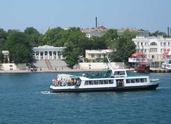 Севастопольский морской порт опроверг информацию о перевозке пассажиров «пьяным» экипажем