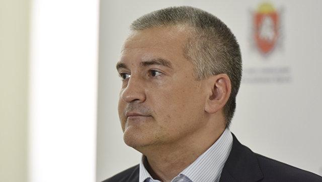 Аксенов призвал крымских чиновников добираться на работу общественным транспортом