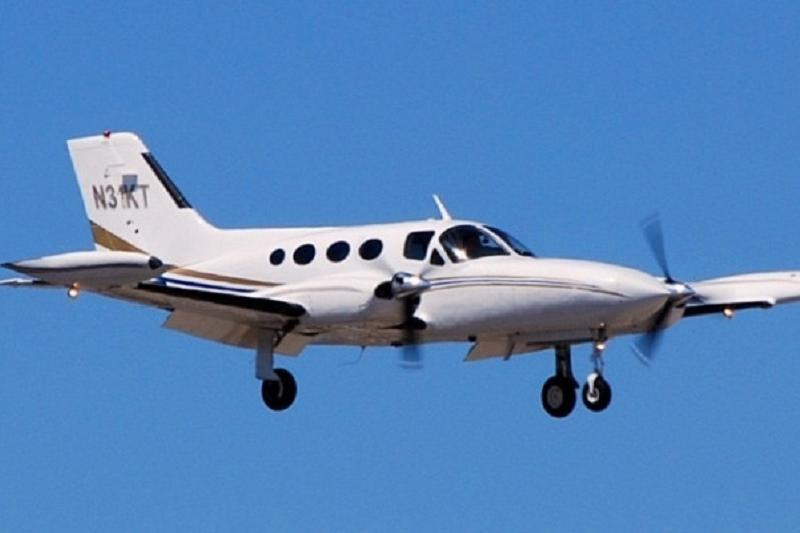 При столкновении вертолета с самолетом погибли 4 человека