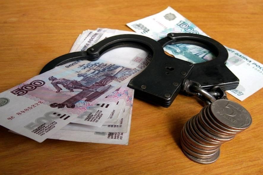 В Севастополе офицер вымогал деньги у сослуживцев, угрожая пистолетом