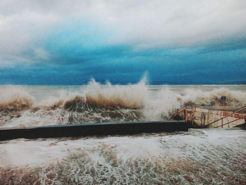 Бедствие в Керченском проливе, резонансное ДТП в Севастополе и поиск пропавшей девушки: ТОП-5 происшествий недели