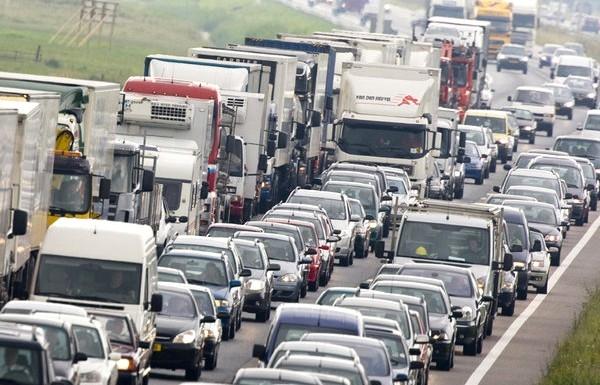 Улучшения погоды не ожидается: на Керченской переправе скопилось уже около 500 автомобилей