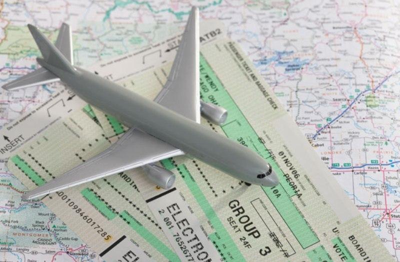 Россияне недовольны работой железнодорожных и авиакомпаний