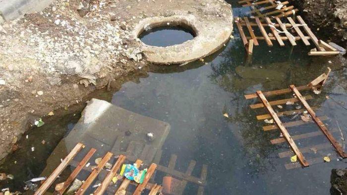 В Новосибирской области двое детей утонули в выкопанной коммунальщиками яме