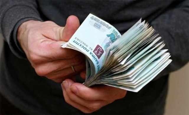 Украинский таможенник за деньги помогал вывозить валюту из Крыма