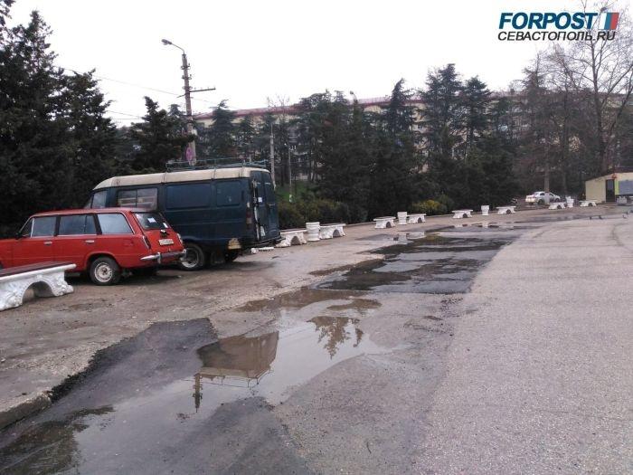 «Проклятое» место: дорогу на площади 50-летия СССР в Севастополе не спас даже ремонт