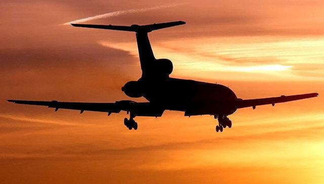 В Крыму из-за снегопада задерживаются авиарейсы, а вылетевшие в Симферополь самолеты садятся в других городах