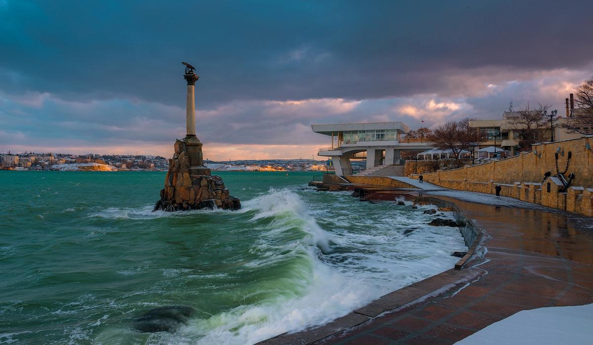 Сургутский след в «Парках и скверах» Севастополя: сеем-косим-зачищаем… бюджетные миллионы