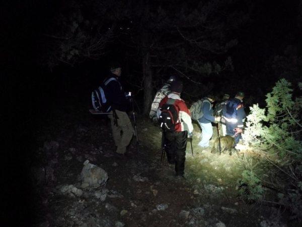 Минувшей ночью севастопольские спасатели вывели с горной гряды два десятка человек