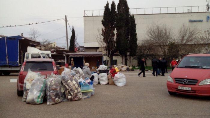 Возле кинотеатра «Россия» в Севастополе начался массовый демонтаж ларьков