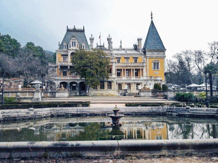 Блог путешественника по Крыму: сказочный Массандровский дворец