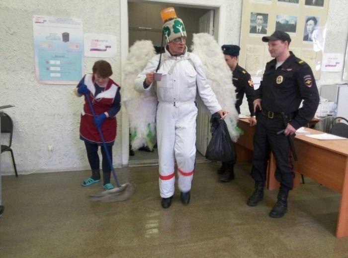 Как российские избиратели эпатировали своим внешним видом на участках