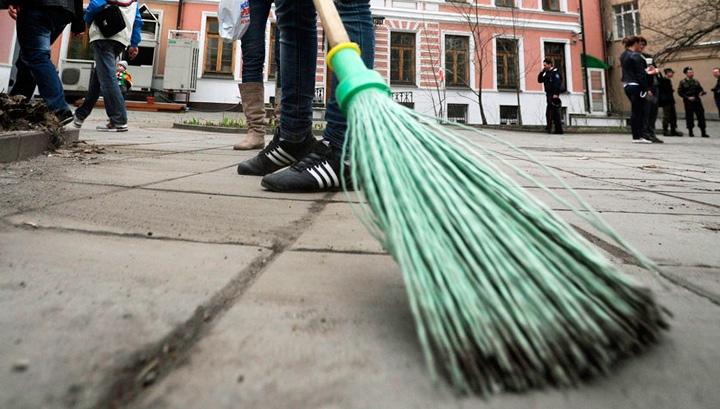 За уклонение от уплаты алиментов севастополец 120 часов будет мести дворы