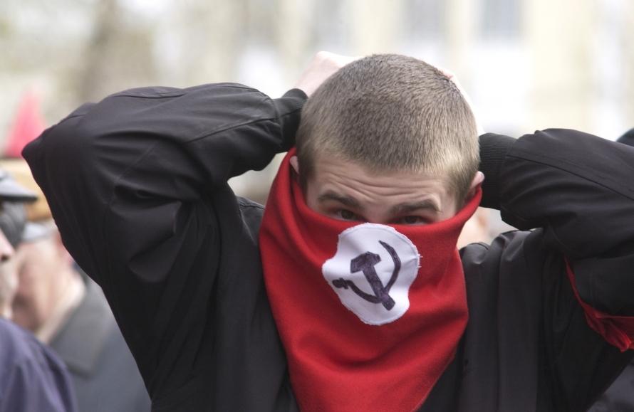 Крымчан предупреждают о группе экстремистов, работающих под видом волонтеров