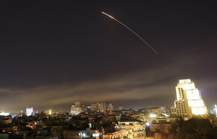 США выпустили по объектам Сирии более 100 ракет