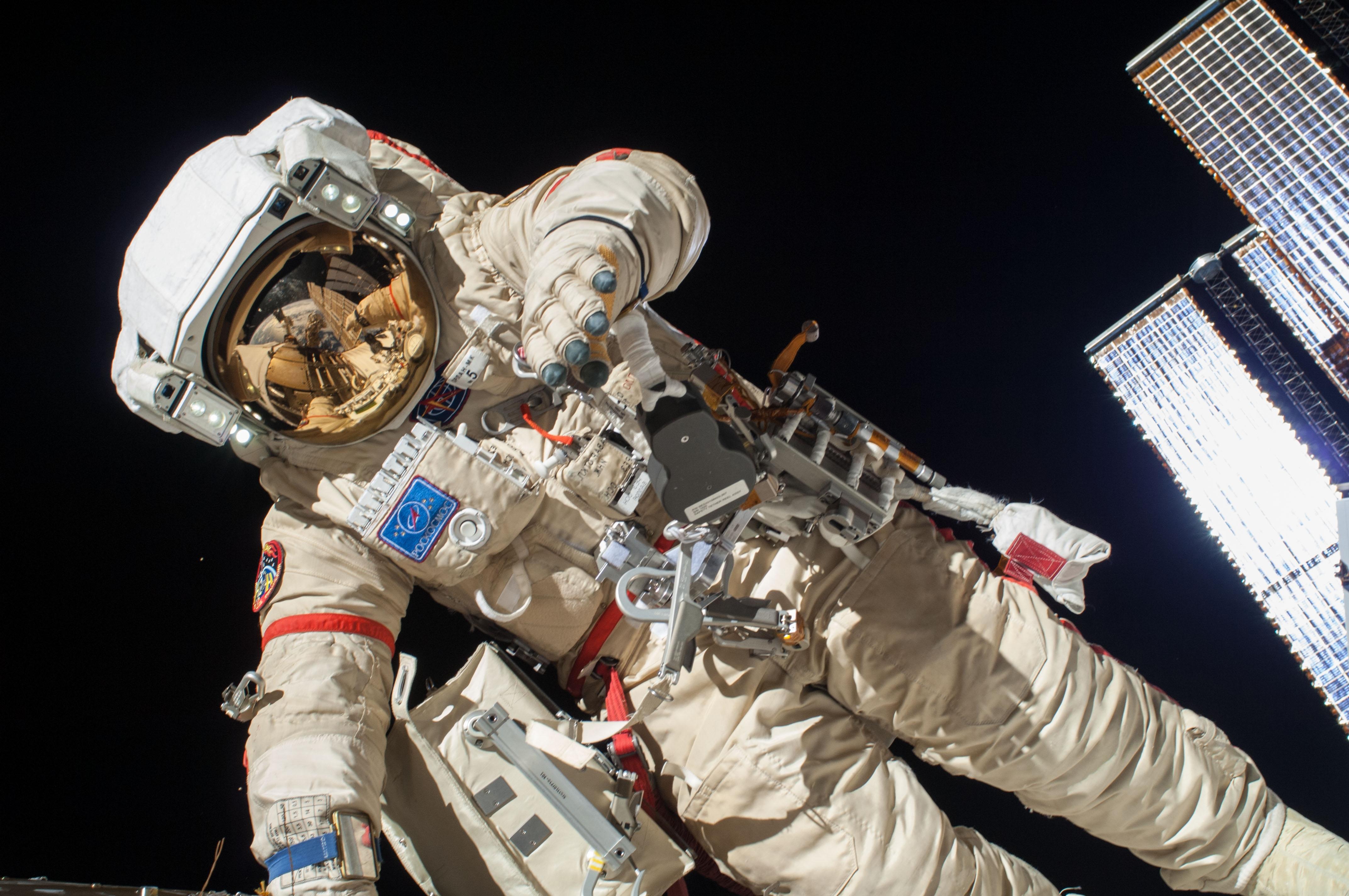 Скончался известный российский космонавт
