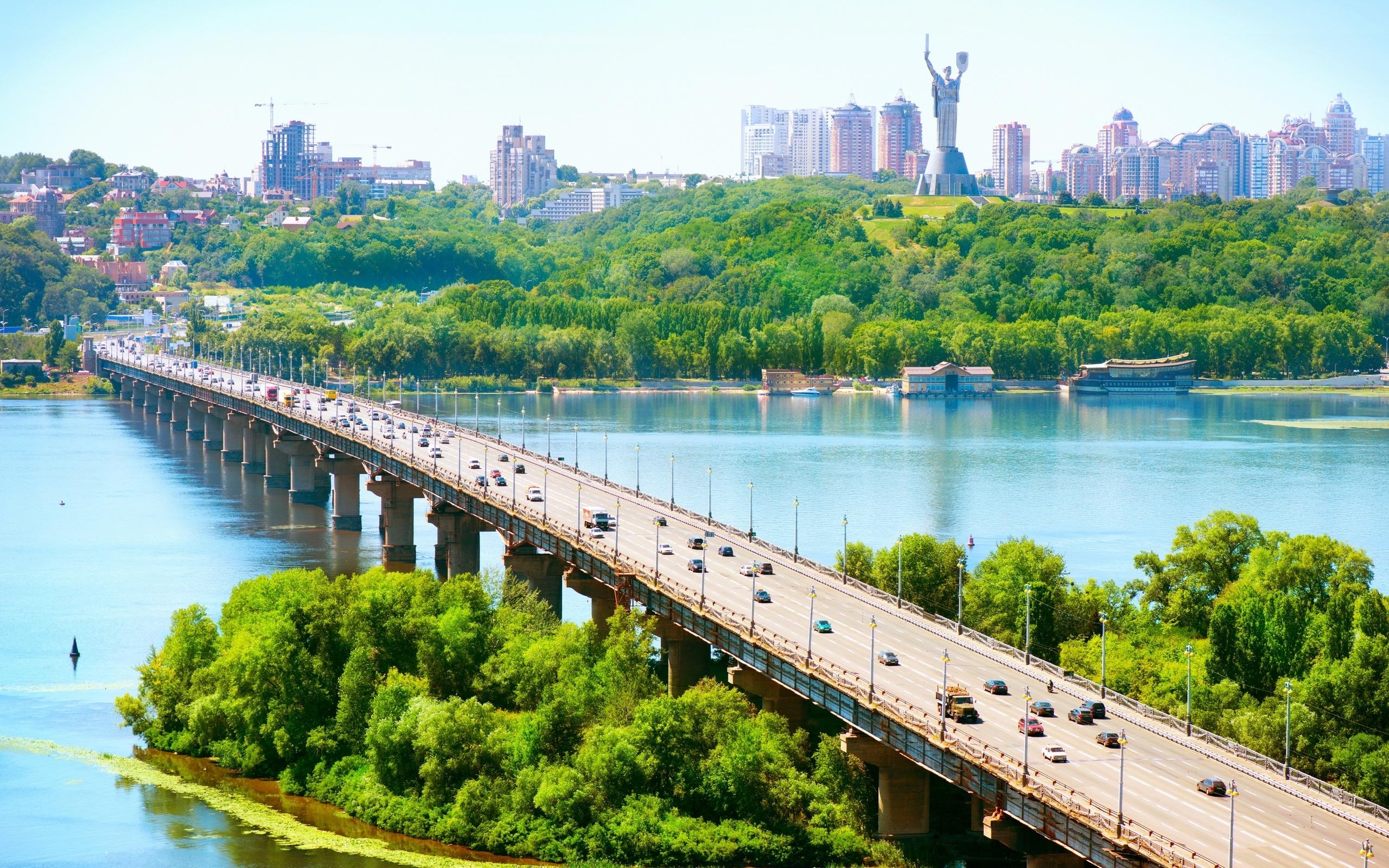 На Украине предлагают лишить русскоязычных граждан образования и работы