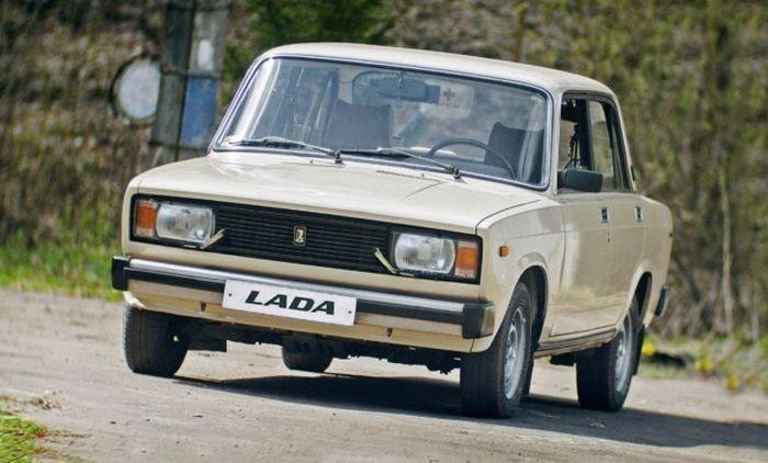 В Севастополе мужчина украл «ВАЗ» и распродал его по частям